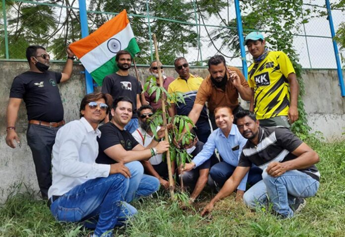 Greenman Viral Desai celebrated Independence Day as a part of Satyagraha against pollution